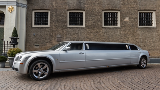 Silver Chrysler 300C superstretched limo